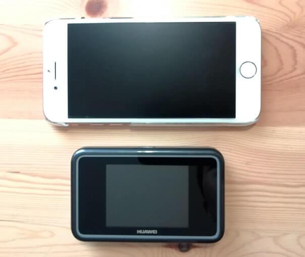 iPone8とe5383s-327のサイズ比較